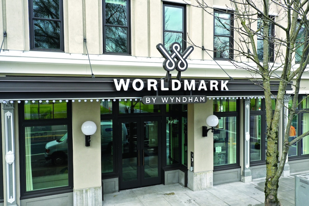 Property Entrance, WorldMark Portland - Waterfront Park
