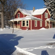 Experience a Quiet Farm on the St Croix, Close to Parks, River Towns, the City