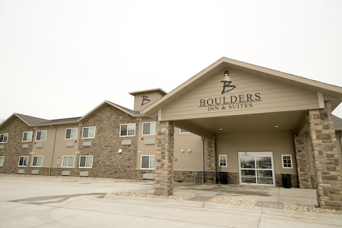 Boulders Inn and Suites by Cobblestone Hotels - Manchester