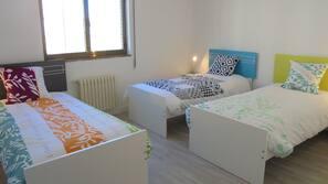 Hypo-allergenic bedding, free minibar items, iron/ironing board