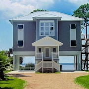 Bayside Retreat in Panacea Fl...bay Front, Dock, 2 Large Porches, Wifi, No Pets