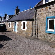 No.6 Seatown, a Traditional Fisherman's Cottage in an Ideal Location