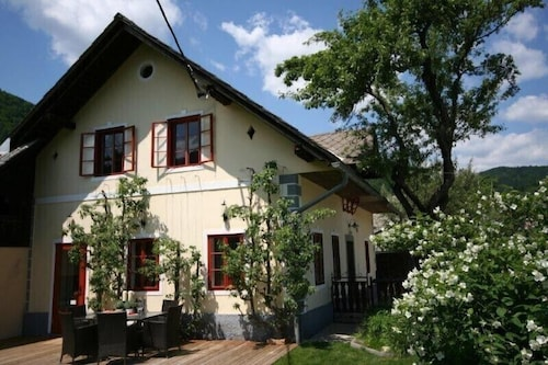 Stunning 2 Bed/1.5 B Sleeps 5 Private Cottage Mins From Bled Spectacular Views