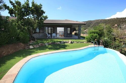 Best Villas in Uta for 2019: Find $102 Private & Luxury Villas