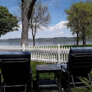 Fantastic Large Family Home Right on Beautiful Lake Pepin!