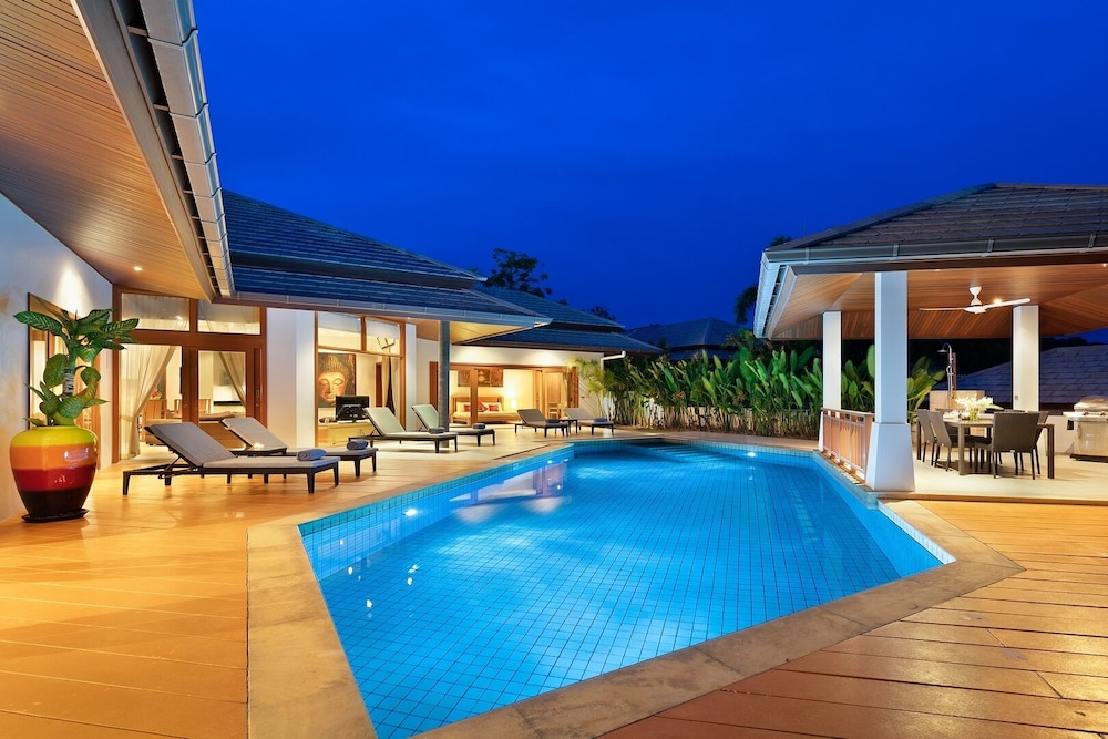 Luxury 3 Bedroom Villa With Private Pool Close To Child