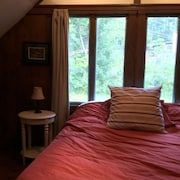 Lovely, Cozy Ski Chalet With View of Mount Washington