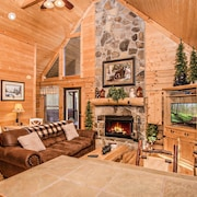 Private Wears Valley Cabin in the Woods w/ Hot Tub. Close to Hiking & Rafting!