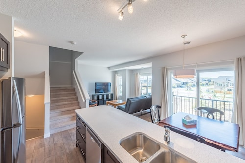 1200 sq Brand new Townhouse in Cochrane