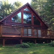 Sunday River Chalet With Hot Tub and Game Room and new Kitchen!
