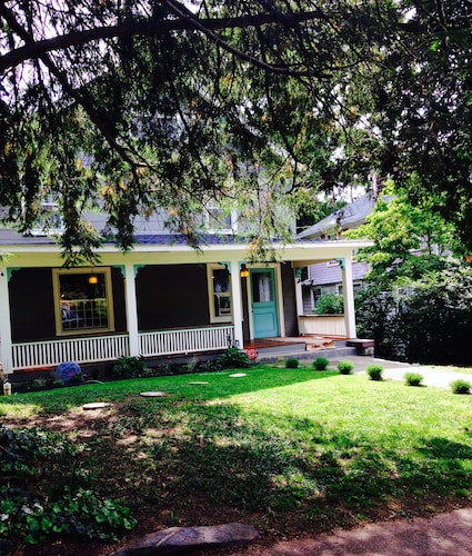 Great Place to stay Boho House near Asheville