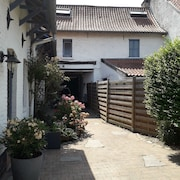 Au Passé Recomposer bed and breakfast, gite, furnished rental