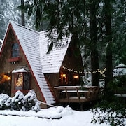 Charming Cedar Chalet With Outside Wooden Hot Tub & Wood Stove