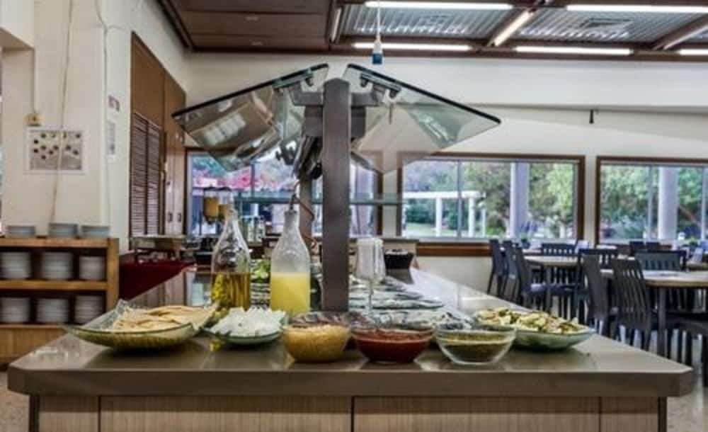 Breakfast buffet, Kibbutz Mashabei Sade Country Lodging
