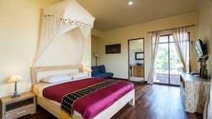 2 間臥室、房內夾萬、書桌、熨斗/熨衫板