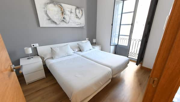 1 bedroom, laptop workspace, iron/ironing board, Internet