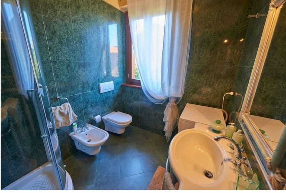 Bathroom, Villa Pali