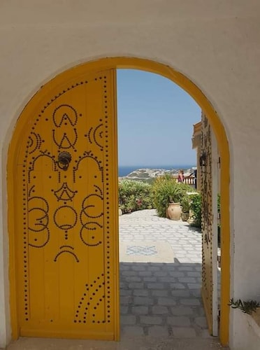 House With one Bedroom in Bizerte, With Wonderful sea View, Pool Access and Enclosed Garden - 300 m From the Beach