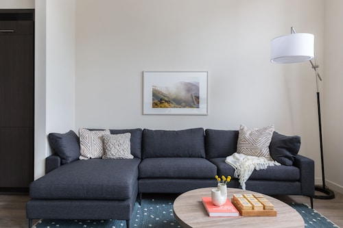 Airy 1BR in Hayes Valley by Sonder