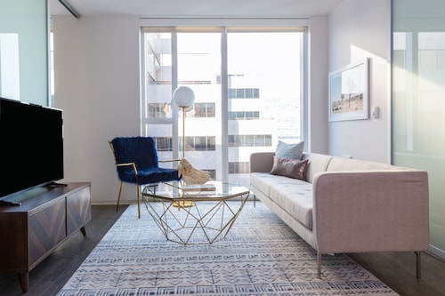 Great Place to stay Posh 2BR in Soma by Sonder near SF