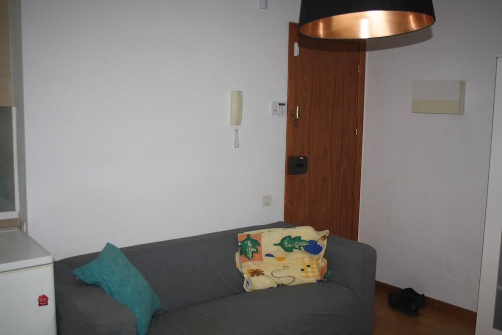 Shared Room for Rent Beside the Famous Barceloneta Sea Beach