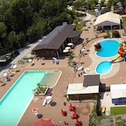 5 Person Chalets Camping Class Pool / Slide Lago Pusiano, Como, Milaa