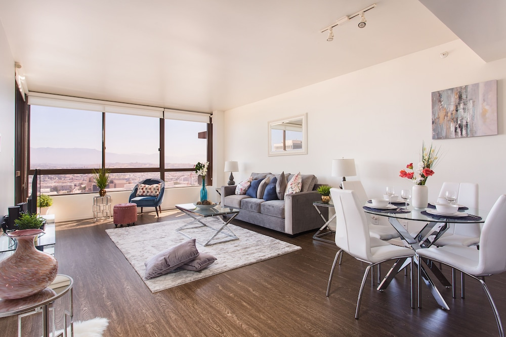 New Urban Downtown LA Luxury Apartment In Los Angeles ...