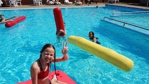 2 udendørs pools