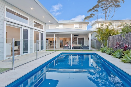4 Bedroom Sydney/Northern Beaches With Pool