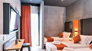 1 Schlafzimmer, Daunenbettdecken, Zimmersafe, Schreibtisch