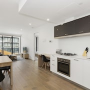 Sandy Hill Apartments by Ready Set Host