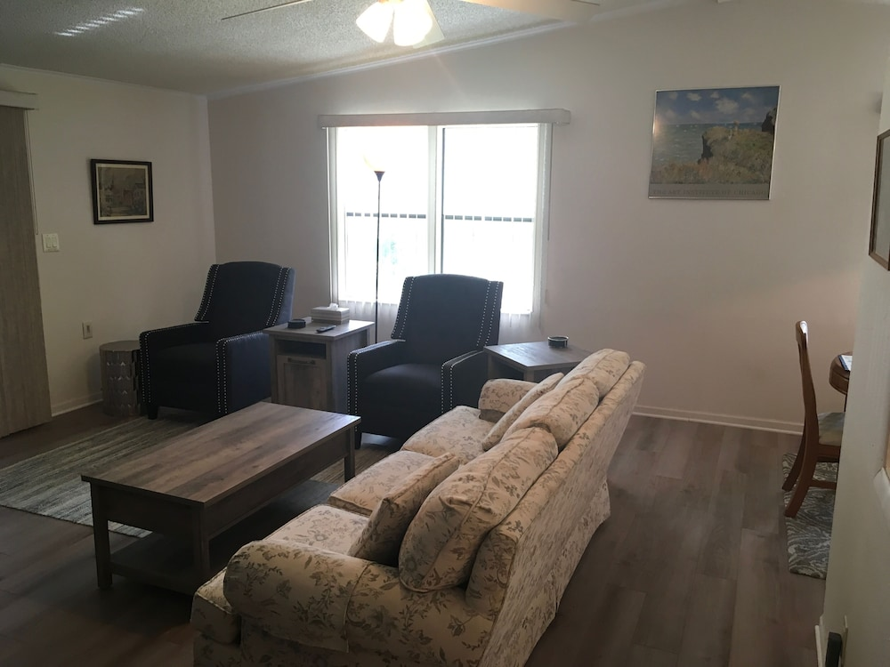 Living Room, Charming 2/2 Home In Spanish Springs W/golf Cart, Bbq, and Free Wifi!