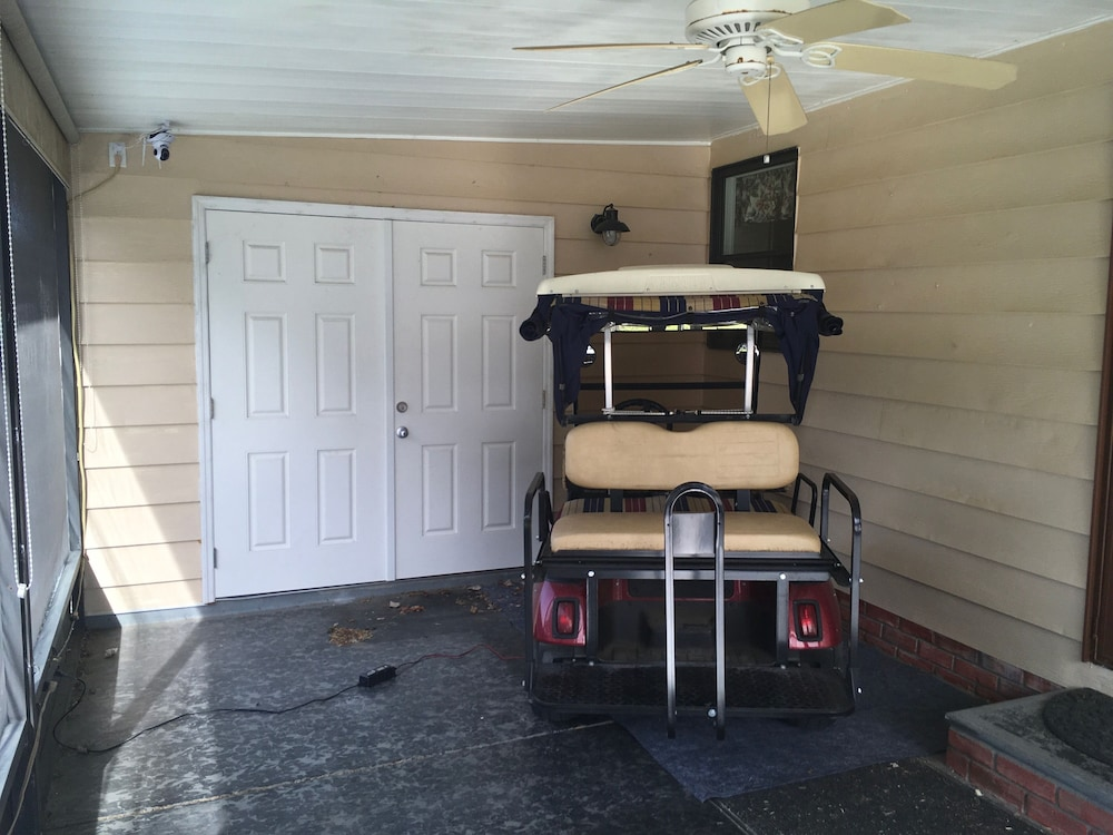 , Charming 2/2 Home In Spanish Springs W/golf Cart, Bbq, and Free Wifi!