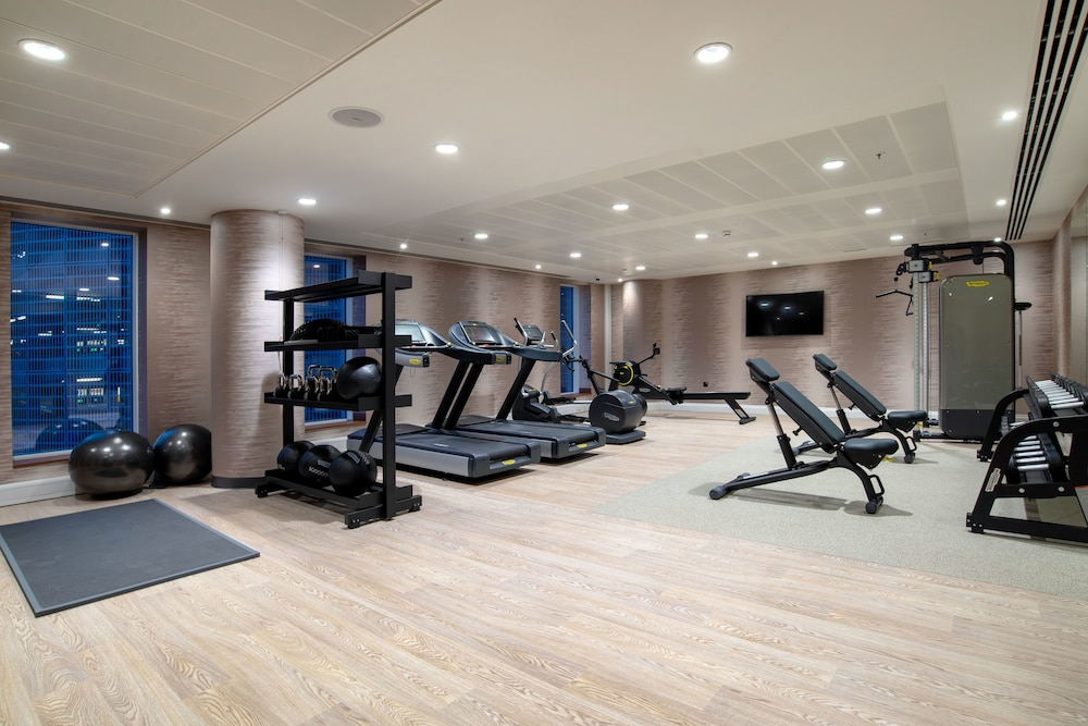 Gym, Hilton Garden Inn London Heathrow Terminal 2 and 3
