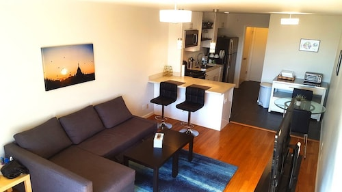 Modern Apt Near Lake Merritt, Bart & SF