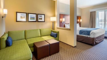 Comfort Suites Burlington near I-5