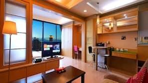 Desk, blackout drapes, free WiFi, linens