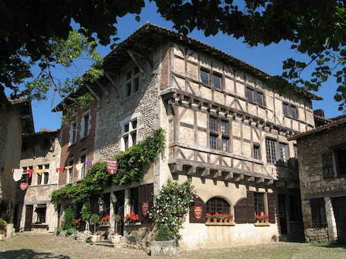 Hostellerie de Pérouges