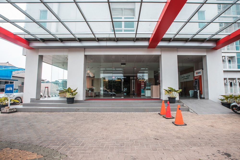 Property Entrance, OYO Flagship 214 Appartel Taman Melati