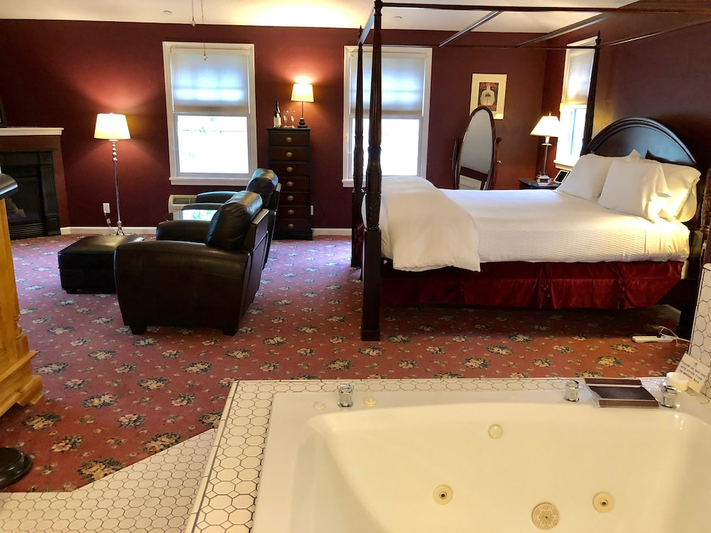 Jetted Tub, The Inn On First