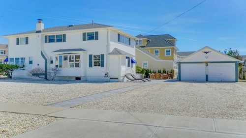 New Jersey Shore Beach House! Mantoloking W/private Beach Access!!