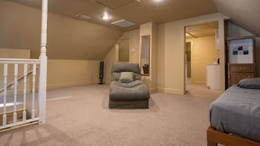 This is a gorgeous loft that is located in the HEART of Little Rock