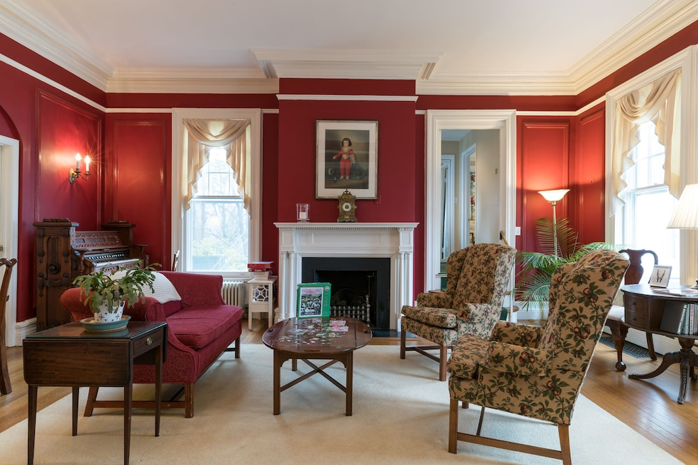 Stanton House Inn in Greenwich   Cheap Hotel Deals & Rates ... on cobb home design, garrison home design, tranquility home design,