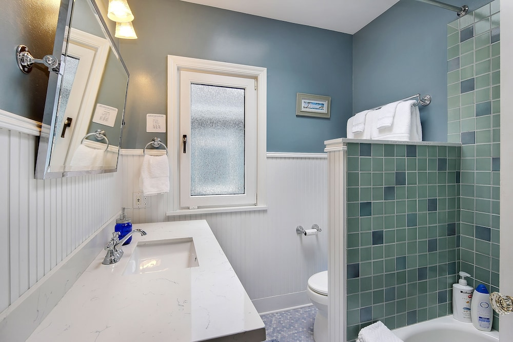 Bathroom, Beautiful Alki Beach Home 10 Min to City of Seattle/20 From Seatac Airport