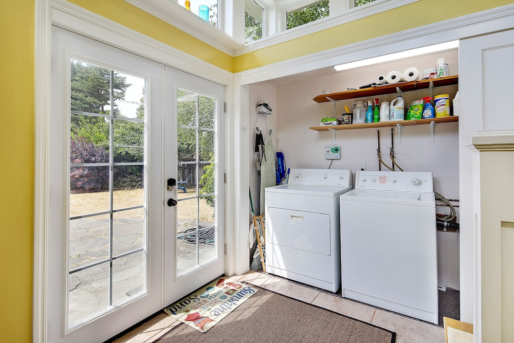 Laundry Room, Beautiful Alki Beach Home 10 Min to City of Seattle/20 From Seatac Airport