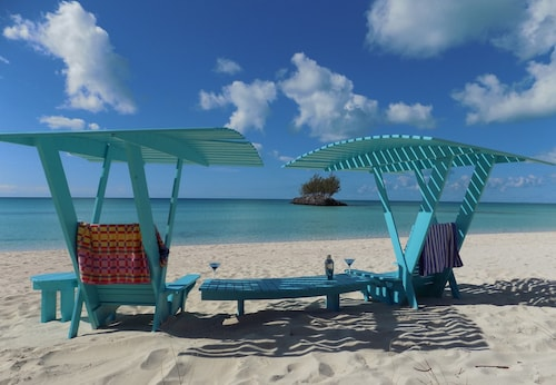 Bahama Time, 1 of Only 3 Rentals Actually on Gaulding Cay Beach