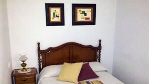Rollaway beds, free WiFi, linens