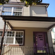 Charming, Spacious, 4 Bedroom House in Buffalo Close to Downtown and Elmwood
