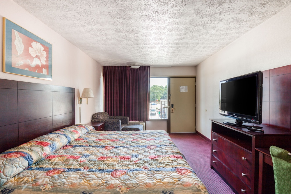 Room, OYO Hotel Decatur I-20 East & Wesley Club Dr