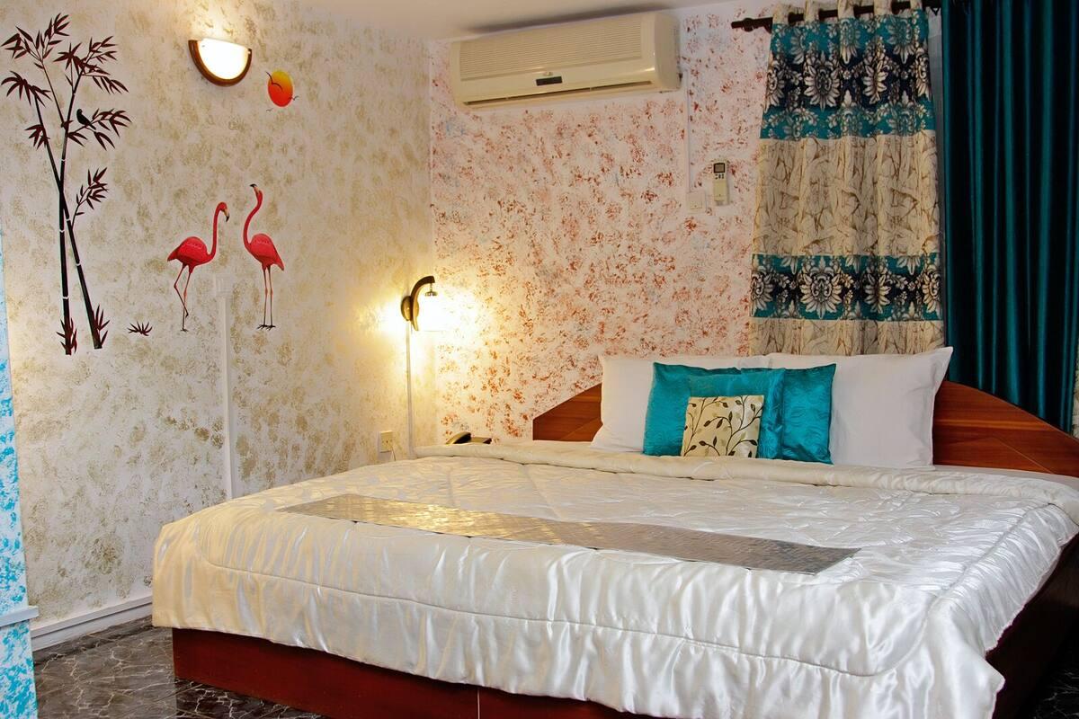 Alexander Plaza Hotel Ltd In Accra Ghana Expedia